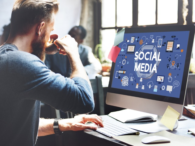 using social media in a job Everyone's talking about using social media for job-hunting but how, exactly, should you do thathere are 10 smart and strategic ways to network your way into a job using three popular online .