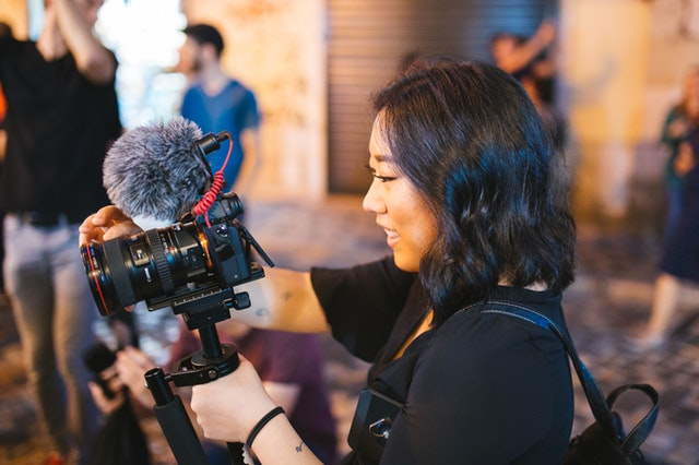How Does Vlogging Affect HR and Business Bottom Line?