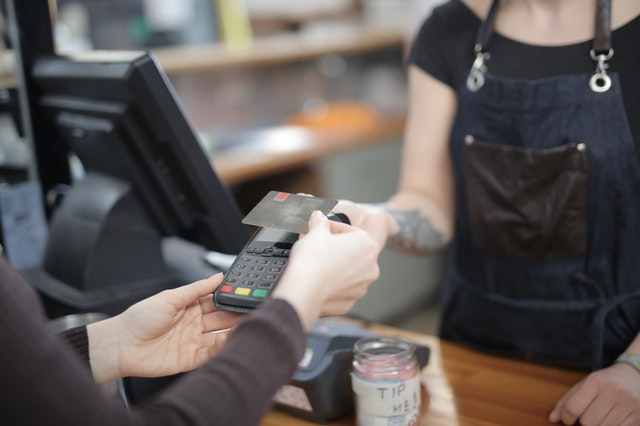 COVID-19: Contactless Payment is Great Alternative Employers Must Consider